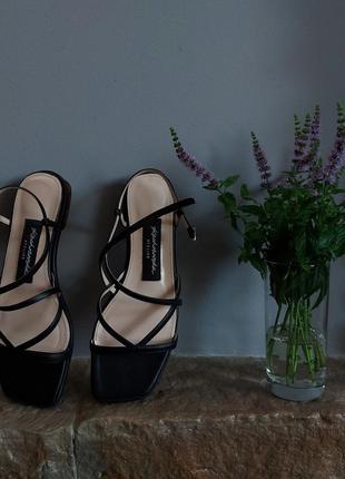 Чорні босоніжки босоножки чёрные кожаные шкіряні качуровська kachorovska