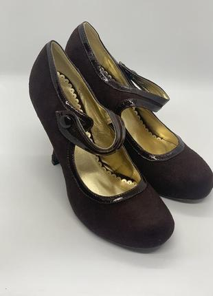 Новые коричневые туфли 40р
