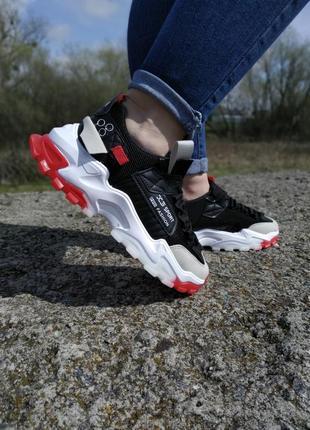 Стильні жіночі кросівки !!! р-ри 36-39 повномірні2 фото