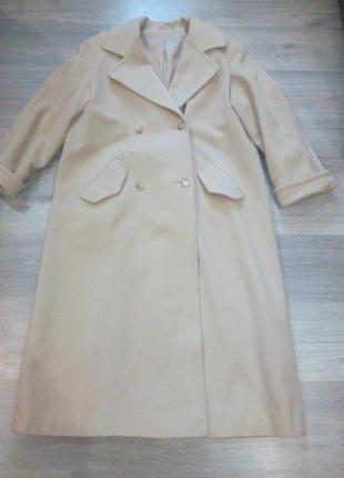 Красивое стильное пальто