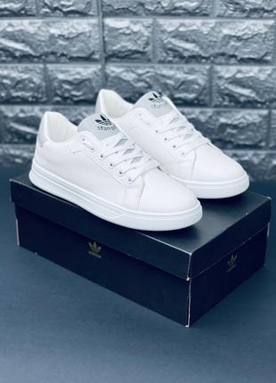 Білі кросівки кеди. багато взуття!!!