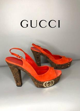 Gucci дизайнерские замшевые красные босоножки на каблуке на пробковой массивной подошве сабо