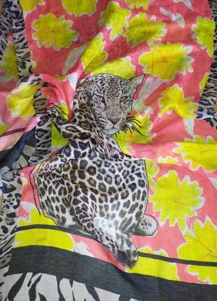 Фирменный льняной красивенный шарф палантин шаль