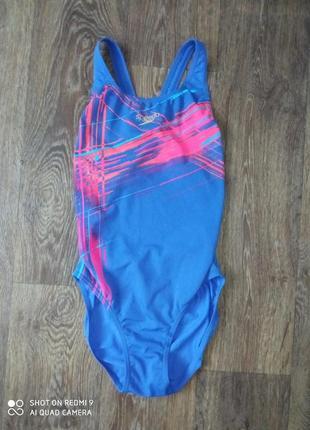 Женский спортивный купальник для бассейна