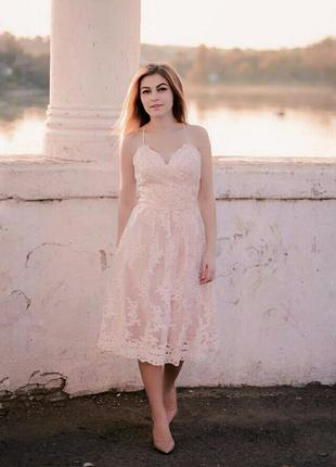 Кружевное платье нежно розовое пудра миди выпускное свадебное в стиле zara