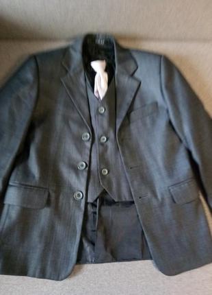 Стильный серый пиджак желет lilus на мальчика