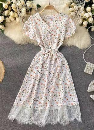 Нежное платье из шатпеля с кружевом