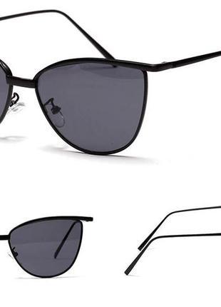Солнцезащитные очки-лисички с прочной оправой метал и двойными бровями черные дымка