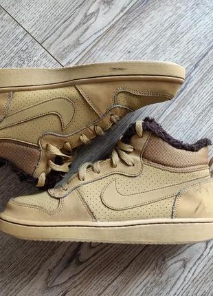 Оригінальні зимові кросівки nike
