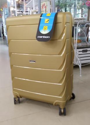 Большой чемодан с прочным корпусом из полипропилена