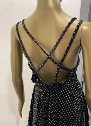 Вечернее нарядное бархатное велюровое платье с голой спиной