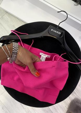 Шикарный новый малиновый розовый топ майка резинка в рубчик