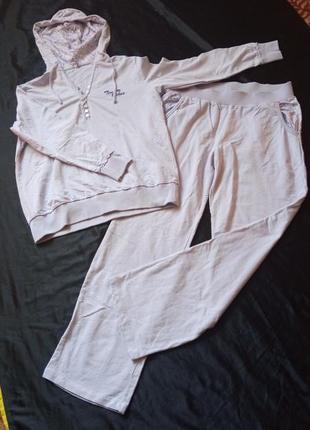 Світло-бузковий костюм,100% бавовна 44-46р.турція