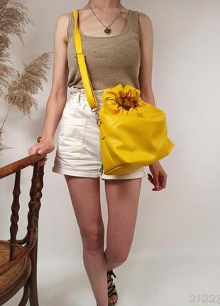 Жовта жіноча сумка, сумка на плече, сумка мешок, жёлтая сумочка