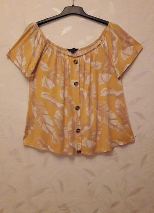 Необычайно приятная к телу блуза из тончайшей, нежной натуральной вискозы, с лёгким шелковистым блеском