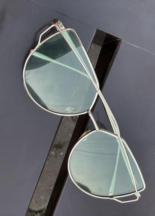 Солнцезащитные очки сонцезахисні окуляри