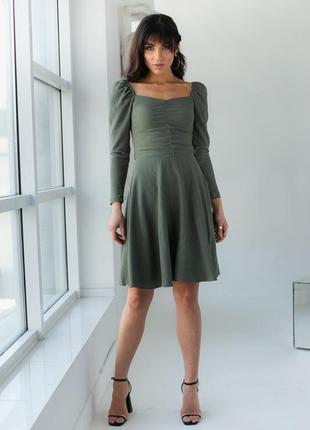 Платье на резинке с квадратным вырезом, цвет хаки