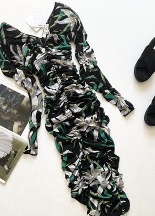 Красивое платье на резинках  12л