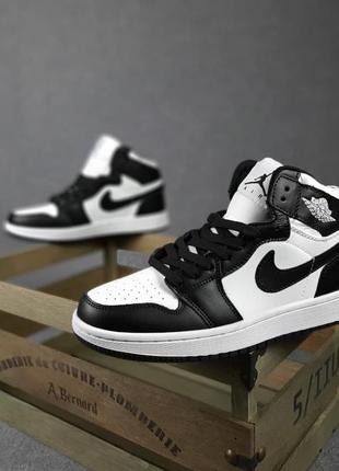 Женские кроссовки nike jordan белые с чёрным | жіночі кросівки найк білі з чорним3 фото