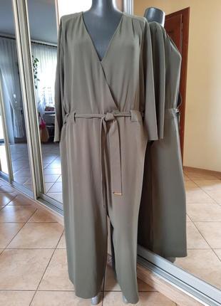 Стильный с карманами, поясом и кюлотами комбинезон большого размера