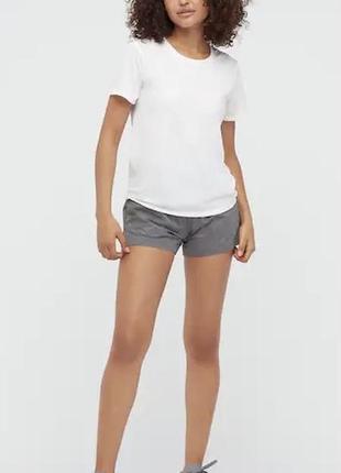 Функциональная дышащая футболка uniqlo для повседневной носки и для занятий спортом