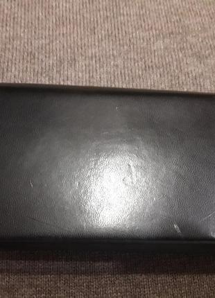 Кожаный футляр для очков черного цвета2 фото