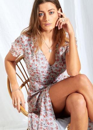 Распродажа идеальное цветочное платье neon rose миди/макси на запах с asos