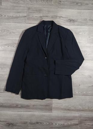 Базовый черный пиджак оверсайз