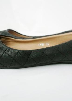 Новые классические стильные туфли-балетки из кожзама.