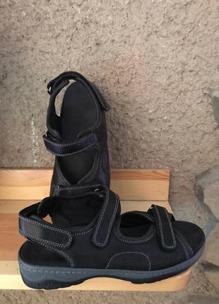 Мягкие кожаные босоножки fidelio