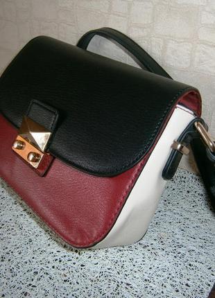 Красивая. стильная сумка кросс-боди. accessorize
