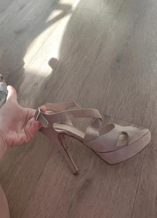 Рр 38.женские бежевые босоножки туфли на высоком каблуке из натуральной замши