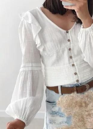 Шикарнейшая натуральная блуза из тонкого хлопка с объёмными рукавами.