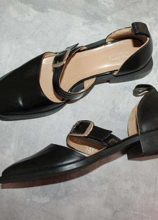 Актуальные кожаные туфли с прямоугольным носочком6 фото