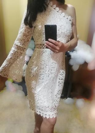 Красивое свадебное/вечернее платье белоснежный ажур