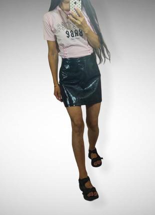 Лаковая / лакированная/ виниловая черная мини юбка primark