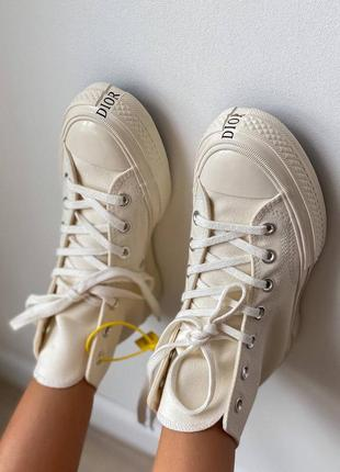 Женские бежевые кеды конверс унисекс жіночі бежеві кеди converse x dior chuk 70 hi /beige/egret