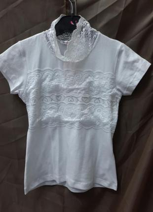 Блуза .футболка трикотаж гепюр.
