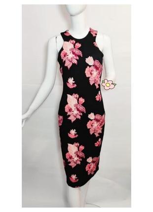 Черное длинное платье с большими цветами h&m.