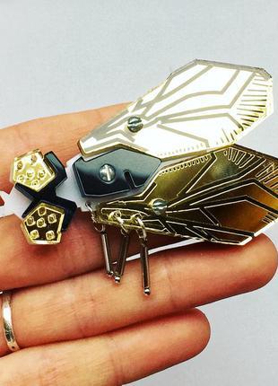 Авторская дизайнерская брошь брошка украшение муха золотая