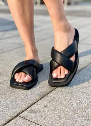Женские кожаные шлепки черные