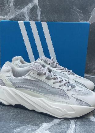 Женские кроссовки adidas yeezy 700 v2 серые,  осенние