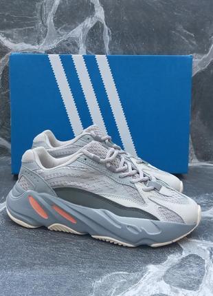 Женские кроссовки adidas yeezy 700 v2 серые, замшевые, осенние