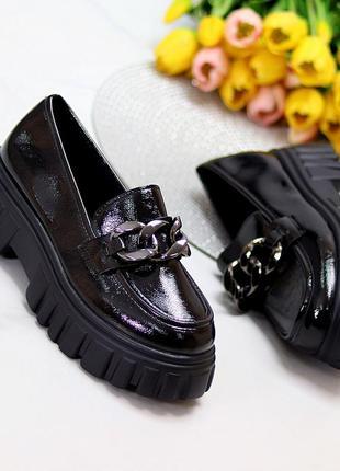 Лаковые черные туфли броги