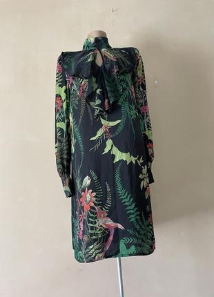 Платье длинный рукав под шею стильное