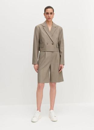 Укороченый двубортный пиджак