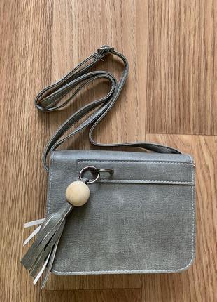 Интересная маленькая сумочка 👜