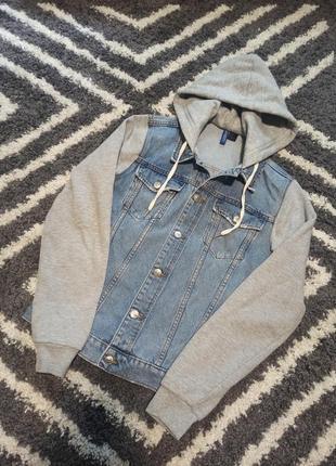 Джинсовая куртка, бомбер, худи