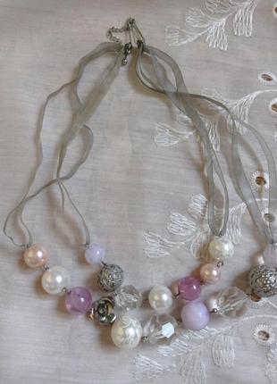 Красивое ожерелье бусы