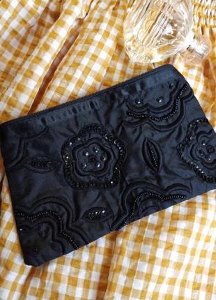 Косметичка черная с вышивкой паетки бисер атлас клатч